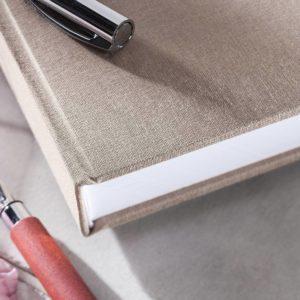 Gästebuch Cappuccino (Graubraun) Detailansicht Einband