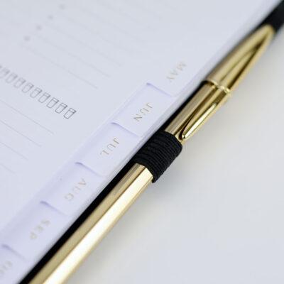 Stiftschlaufe schwarz am Ringbuch