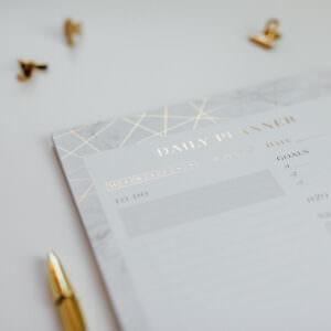 Daily Planner Marble Detailansicht Goldfolie