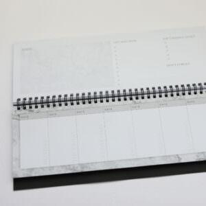 Tischkalender mit Tagesansicht und Notizfeld