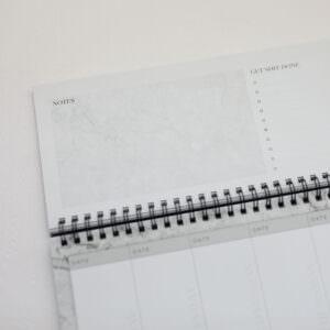 Tischkalender Detailansicht Notes und Spiralbindung