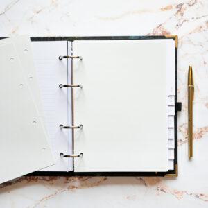 Bullet Journal mit Notizseiten hellgrau