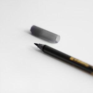 Edding Brush Pen Schwarz mit Kappe