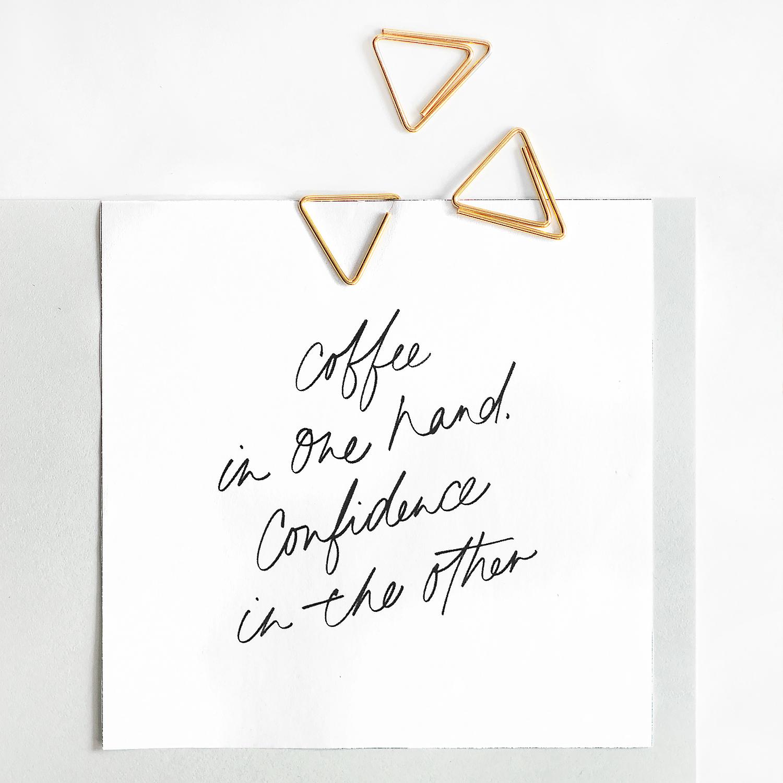 Karte Kaffee mit drei goldenen Clips