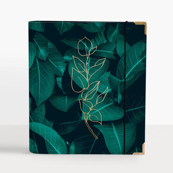 Greenery Cover mit goldenem Blatt