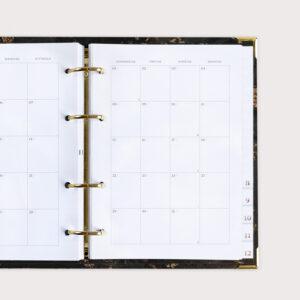 Familienkalender Black mit Monatsübersicht auf einer Doppelseite