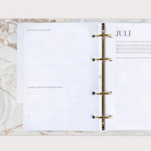 Familienplaner White mit Monatsrückblick Erinnerungen und Monatsplanung