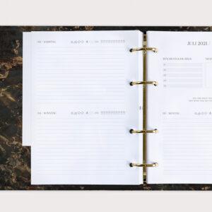 Jahresplaner Black mit Tagesübersicht im Ringbuch