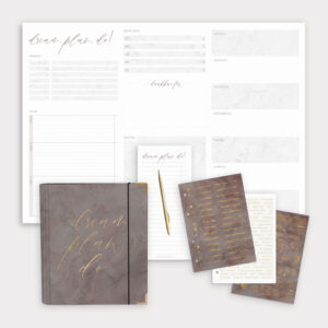 Planer Bundle Nude mit Ringbuch und Schreibtischunterlage sowie einem Notizblock und Stickerbögen