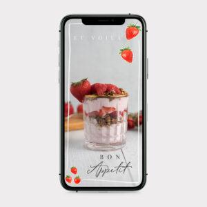 Instagram Story Sticker Bon Appetit mit Erdbeeren im iPhone Screen