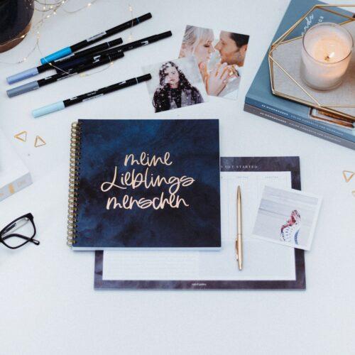 Freundebuch Midnight mit passenden Tombows und Fotos