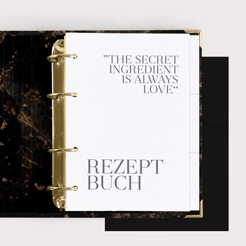 Rezeptbuch Black mit weißem Register und schwarzen Taschen